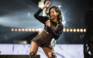 505242368-rihanna-diamonds-world-tour-rihanna-35965311-1440-900