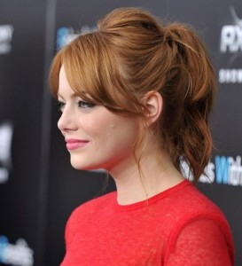 Emma-Stone-Cute-Ponytail-medium-hair-style-2