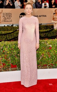 rs_634x1024-160130165105-634-saoirse-ronan-sag-awards-red-carpet-arrivals-013016