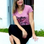 Look do dia: camiseta divertida + saia longa plissada