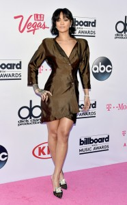rs_634x1024-160522170430-634.Rihanna-Billboard-Music-Awards.tt.052216