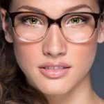 7 dicas de maquiagem para quem usa óculos