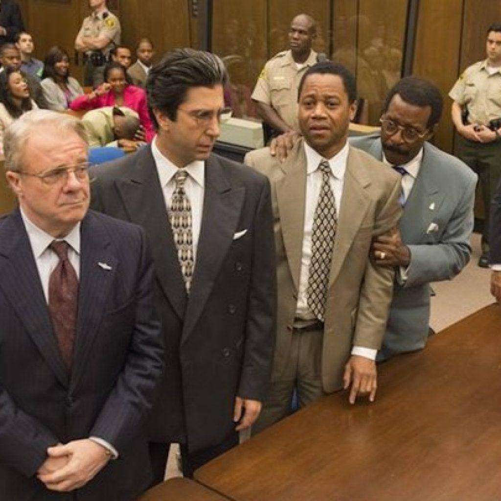 A foto mostra uma cena da série American Crime Story, que está entre as melhores séries que assisti em 2019